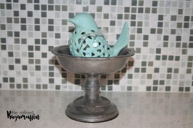 pewter-dishes-blue-kitchen-decor