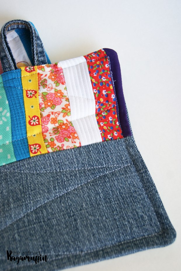 scrappy-quilted-hot-pad-holders-3