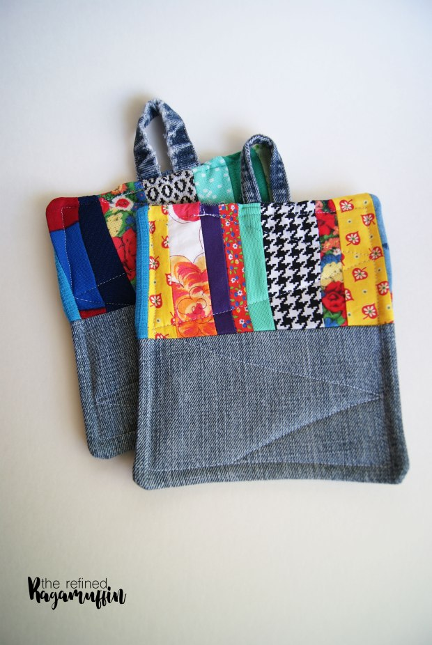 scrappy-quilted-hot-pad-holders-4