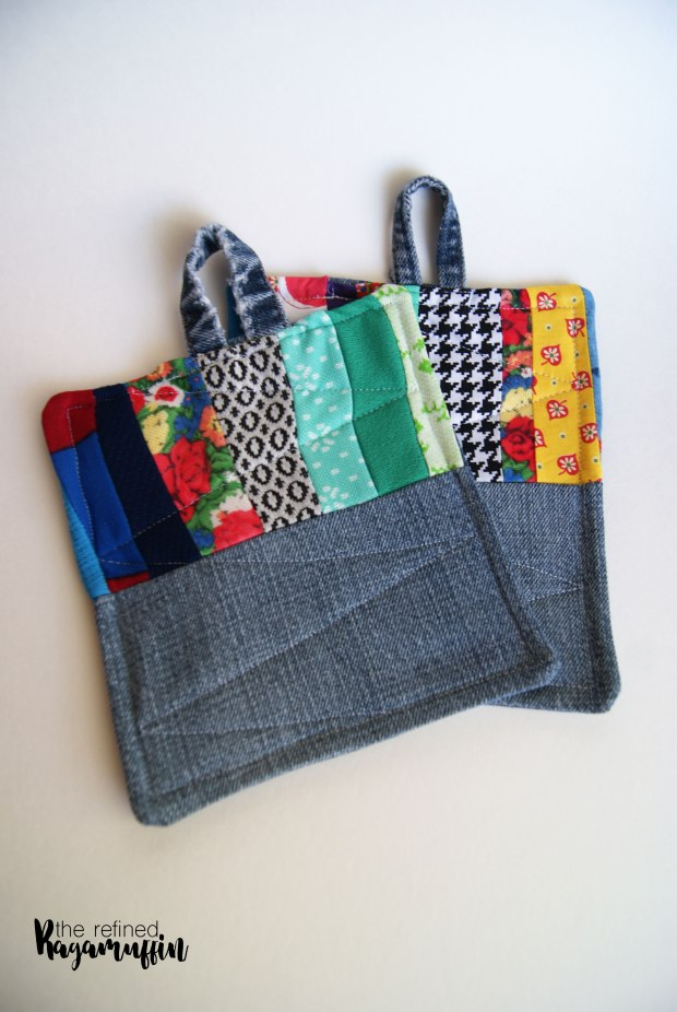scrappy-quilted-hot-pad-holders-5