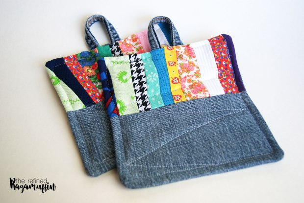 scrappy-quilted-hot-pad-holders